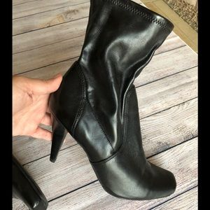 Jessica Simpson faux leather high heel boots sz 10